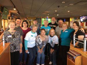 Picture of AlumKnights Applebee's 2017 Fundraiser volunteers.